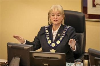 Brampton mayor asked staff to alter pay before salary report released