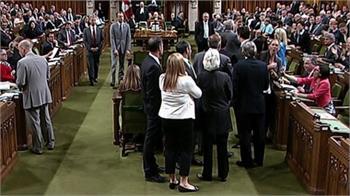 ضربه آرنج جاستین توردو به نماینده زن از حزب اندیپی، مجلس کانادا را به هم ریخت